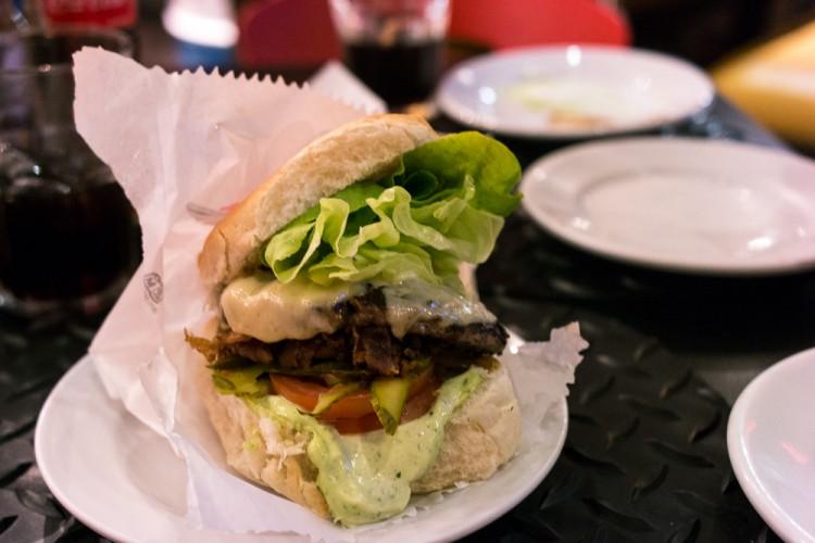 GARAGE BURGER – Pra quem gosta de carro e um ótimo hambúrguer!