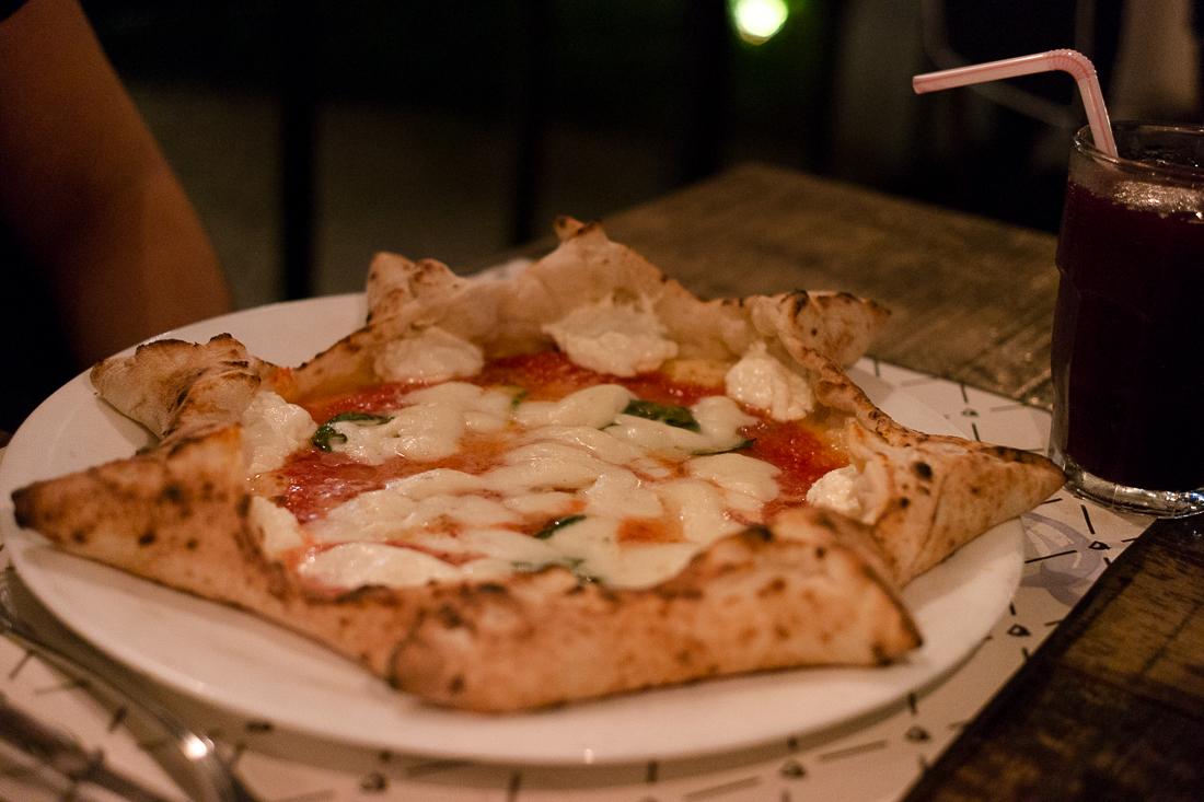 GrazieNapoli pizza