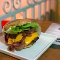 ROAD BURGER – Hambúrgueria temática na Moóca
