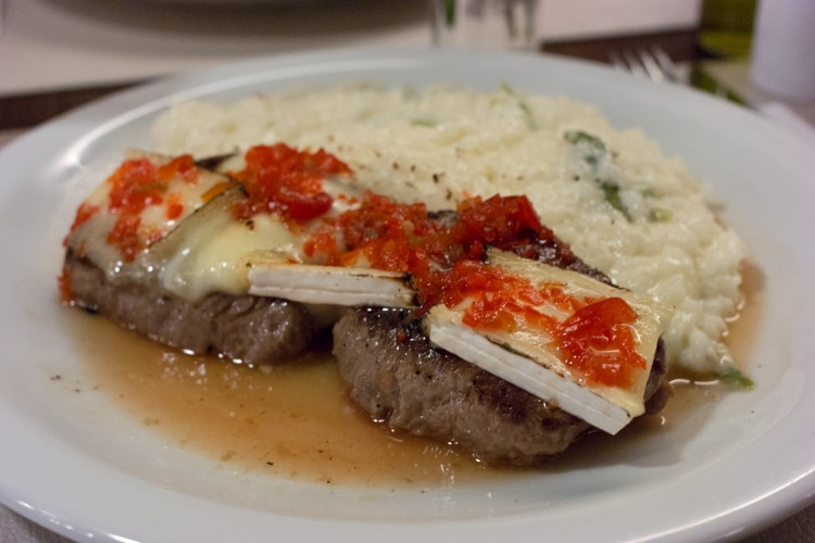 RESTAURANTE MARACUJÁ – Pratos deliciosos na Alameda Lorena!