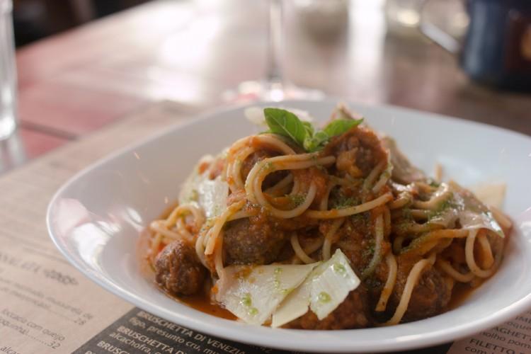 CIAO! VINO & BIRRA – Bar com muitos petiscos e comida italiana!