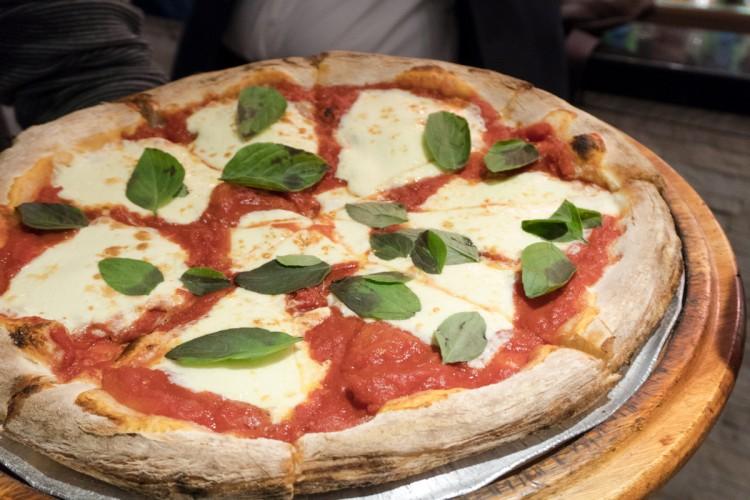 PIZZERIA CÉZANNE – Pizzas de massa italiana com várias unidades em São Paulo!