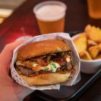 BLOODY HELL BURGER – Hambúrgueres clássicos no Itaim!