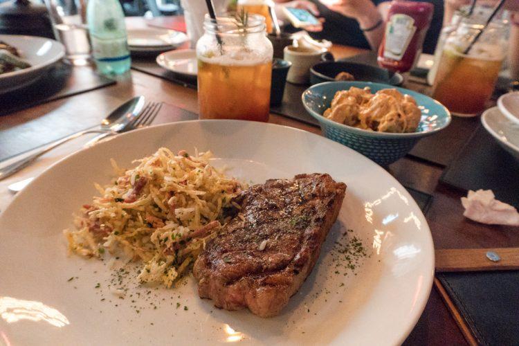 TRABUCA BAR – Para um almoço delicioso com ambiente incrível!