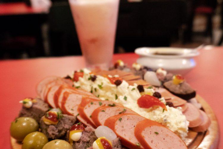 BAR LÉO – Um bar tradicional com comidinhas alemãs!