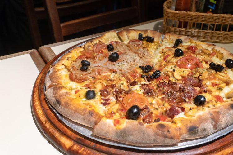 PIZZARIA COPAN –  Pizzas e massas dentro no edifício Copan!