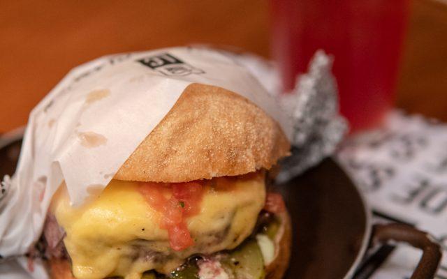 LANCHONETE DA CIDADE - Hambúrgueres clássicos e deliciosos!