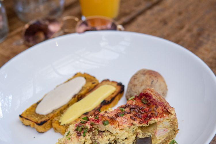 SIMPLESMENTE – Brunch vegano em um lugar delicioso!
