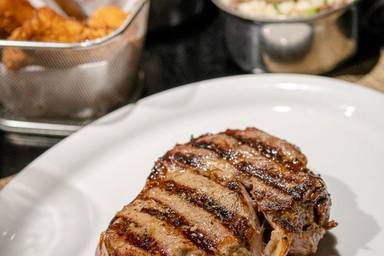 LA GRIGLIA – Um excelente restaurante de carnes em cima de uma livraria!
