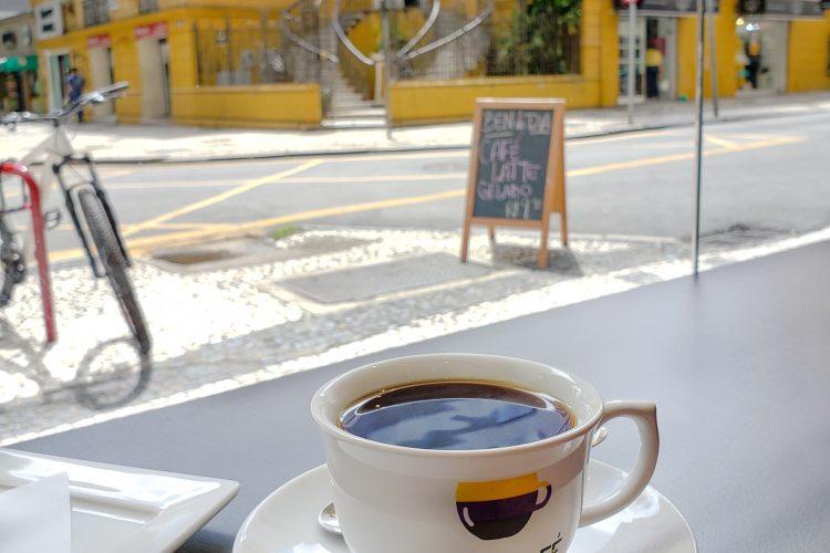 CAFETERIAS EM CURITIBA – Um roteiro pra quem ama café e/ou doces!